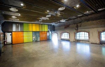 utleie_mezzaninen_farget-vegg_industrivinduer_sverre-jarild-2